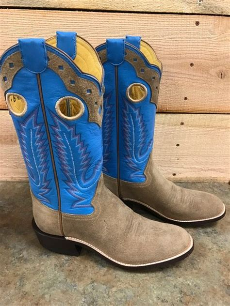 Custom Cowboy Boots • The Gettin Place