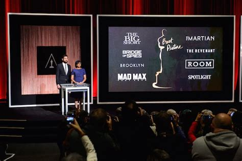 Oscars Drop the Live Event, Go Online for New-Look
