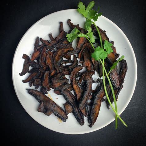 PLANT PUSHING BACON - Wicked Healthy