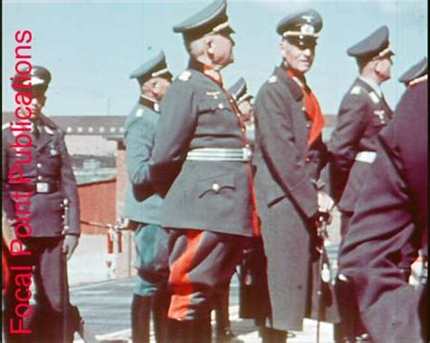 Identification of color pictures - Axis History Forum